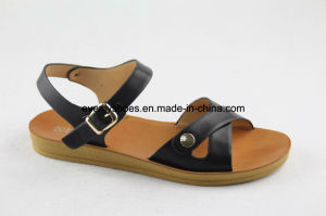 Casual Style PU Sandal Women Shoes with Flat Heel pictures & photos