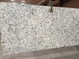 White Quartz Slabs with Black Veins pictures & photos