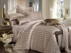 Taihu Snow Silk Hot Selling Seamless Factory Directly Sale Comforter Bedding Set pictures & photos
