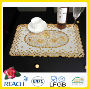 PVC Vinyl Lace Gold/Silver Doilies pictures & photos