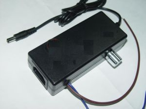 24W 12V Switching Power Adapter with UL Ce Certificate