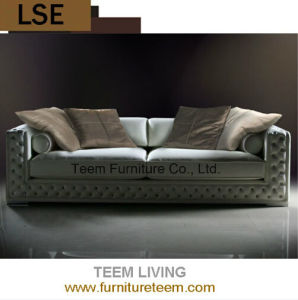 2015 Living Room Sofa New Classic Style House Furniture pictures & photos