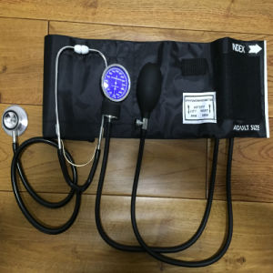China Factory OEM Arm Cuff Blood Pressure Monitor, Aneroid Sphygmomanometer pictures & photos