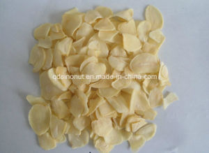 Chinese Origin Dehydrated Garlic Flakes pictures & photos