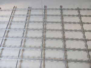 Galvanized Welded Razor Barbed Wire Mesh Fence pictures & photos