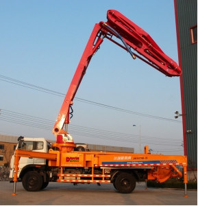33m Quality Middle Size Concrete Placing Boom Pump Truck Made in China pictures & photos