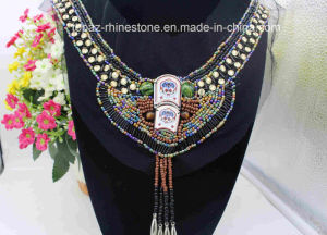 Factory Wholesale Custom Size V Neck Rhinestone Appliques (TA-002) pictures & photos