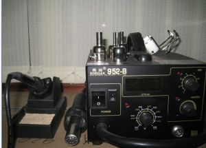 Digital Soldering Station (952B) pictures & photos