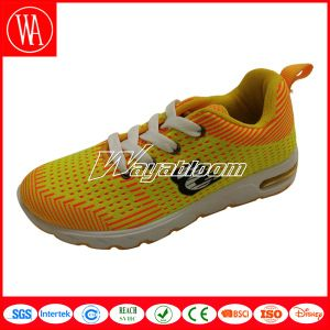 Summer Breathable Children Sports Shoes with Portable Feeiling pictures & photos