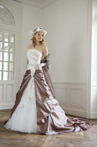 Vintage Strapless Taffeta Wedding Dress (3080L)