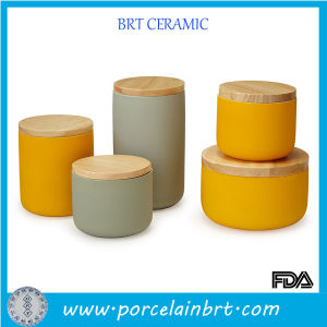 Colorful Glazed Tea Coffee Sugar Ceramic Canister with Bamboo Lid pictures & photos