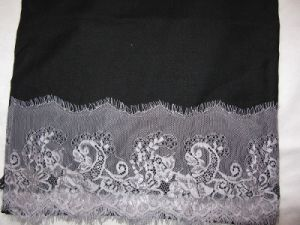Best Quality Cashmere Wool Lace Trim Shawl pictures & photos