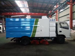 Dongfeng 4X2 Full Automatic Road Sweeper Truck for Hot Sale pictures & photos