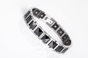 New Ceramic Couple Magnetic Fashion Jewelry Wholesale Bracelet pictures & photos