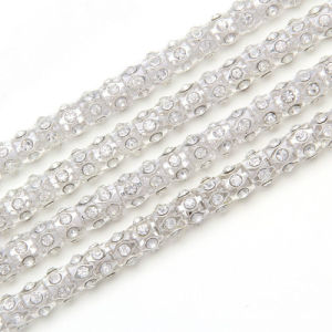 Ss28 6mm 10 Yards Lots Sew on Crystalab Colors Handmade Flower Cup Rhinestone Chain Lace Silver Rhinestone Chain (TC-ss28/6mm) pictures & photos