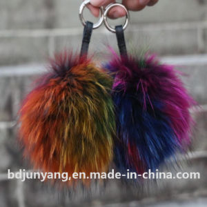 Real Raccoon Fur POM Poms for Knitted Cap Winter Beanies pictures & photos