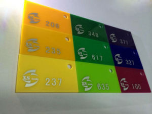 Extrusion Acrylic Sheet Passed RoHS Test by SGS in Color Rainbow PMMA Sheet Plexiglass Sheet pictures & photos