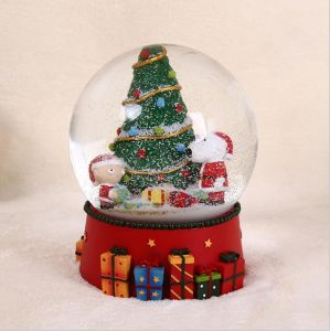 High Quality Resin Christmas Decor Snow Globe for Sale pictures & photos