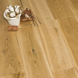 Engineered Oak Wood Flooring with Natural Color UV Lacquered pictures & photos