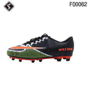 Fashion Men Outdoor Sports Football Shoes and Soccer Shoes pictures & photos