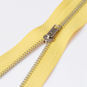 No. 3 Closed End Metal Teeth Sewing Zippers for Jeans pictures & photos