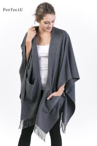 100%Alashan Cashmere Poncho Ladies Fashion Wearable Poncho with Pocket; pictures & photos