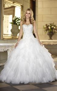 Cascading Ruffles Bridal Ball Gown Lace Organza Wedding Dress A201798 pictures & photos