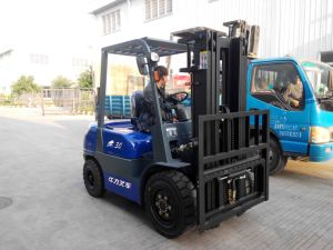 3 Ton Diesel Forklift with 3 Stage 5 Meters pictures & photos