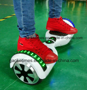 M011 White 6.5 Inch 44000mAh Hoverboard with Bluetooth/LED Light/Remote pictures & photos