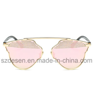 China Factory Custom Antiquqe Outside Driving Lady Sunglasses pictures & photos
