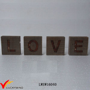 """Love"" Recycle Wood Wholesale Rustic Vintage Sign Freestand Letters pictures & photos"