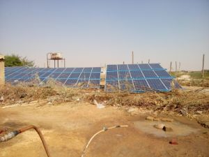Solar Deep Well Pumping System for Agriculture Irrigation, 3 Years′ Warranty, with CE Certificate