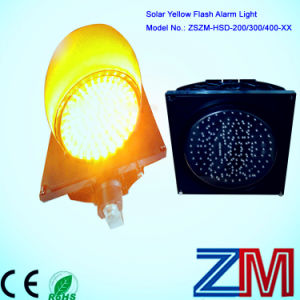 New Style Solar Powered Yellow Flashing Traffic Warning Light pictures & photos