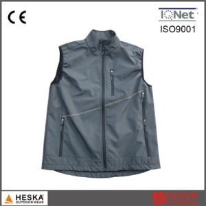 2017 Latest Designs Men Cheap Softshell Work Waistcoat pictures & photos