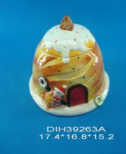 Christmas Decorative Ceramic Hand-Painted Candy Jar pictures & photos