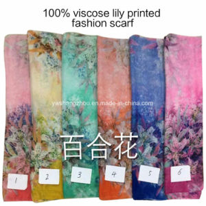 2017 Hot Sale Fashion Ladies Viscose Lily Printed Designs Scarf pictures & photos