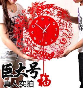 China Gift Clock Acrylic Fashion Wall Clock Display pictures & photos