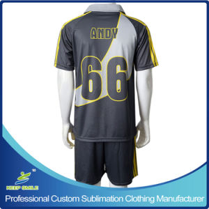 Custom Sublimation Quick Dry Comfortable Club Team Football Apparel pictures & photos