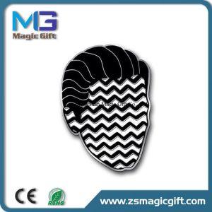 Hot Sales Customized Metal Hard Enamel Pin pictures & photos