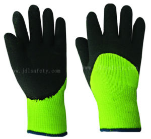 Foam Latex Work Glove Which Against Cold (LY2038F) pictures & photos