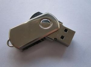 High Quality Swivel USB Flash Drive 1GB-32GB Capacity Size (OM-M105) pictures & photos