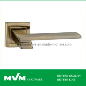 Zamac Door Handle (Z1324E8) pictures & photos