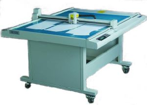 Garment Pattern Cutting Plotter (DE1209, DE1509, DE1512, DE1809, DE1812) pictures & photos