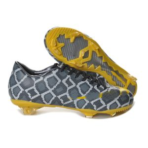 Snakeskin Fascinating Football Shoe for Men pictures & photos