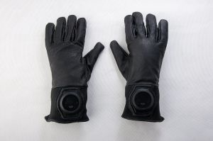 Police Wearable Security Tactical Gloves with Soft Leather pictures & photos