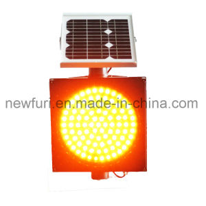 300mm Yellow LED Flashing Traffic Solar Warning Light pictures & photos