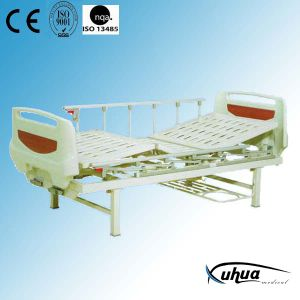 Two Cranks Manual Hospital Medical Bed (A-5) pictures & photos