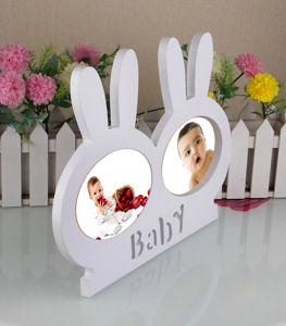 Matt White Painting Ribbon Shape Baby Photo Frame pictures & photos