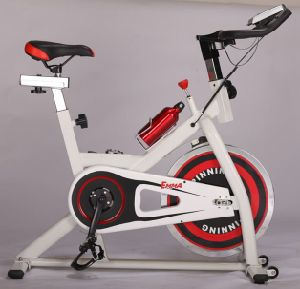 Home Use Fitnes Spin Bike (S9011C) pictures & photos