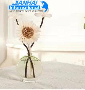 35ml Heart Shape Beauty Design Glass Perfume Bottle pictures & photos